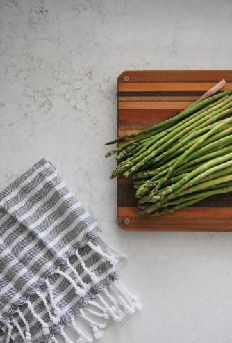 http://thesweetestdigs.com/kitchen-reno-choosing-quartz-countertops/